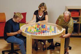ball-table-grande-table-a-balles-mobilier-activites-jeu-manipulation-jeu-alzheimer-jeu-enfant-sina-ludesign-1