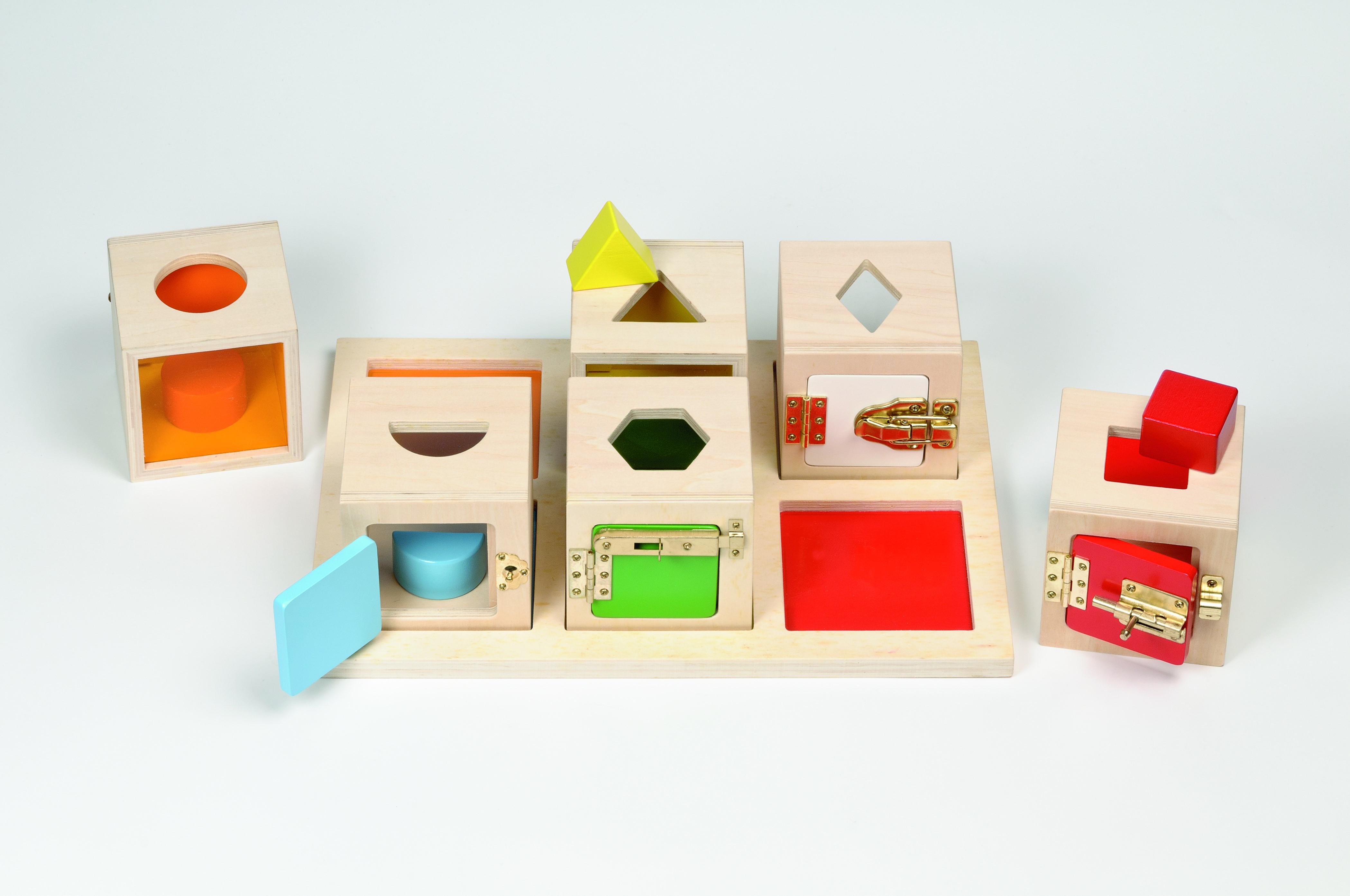 jeu de manipulation boite a serrure par ludesign ludomania. Black Bedroom Furniture Sets. Home Design Ideas