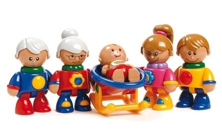 Personnages plastique la famille ludesign ludomania for 7 a la maison personnage