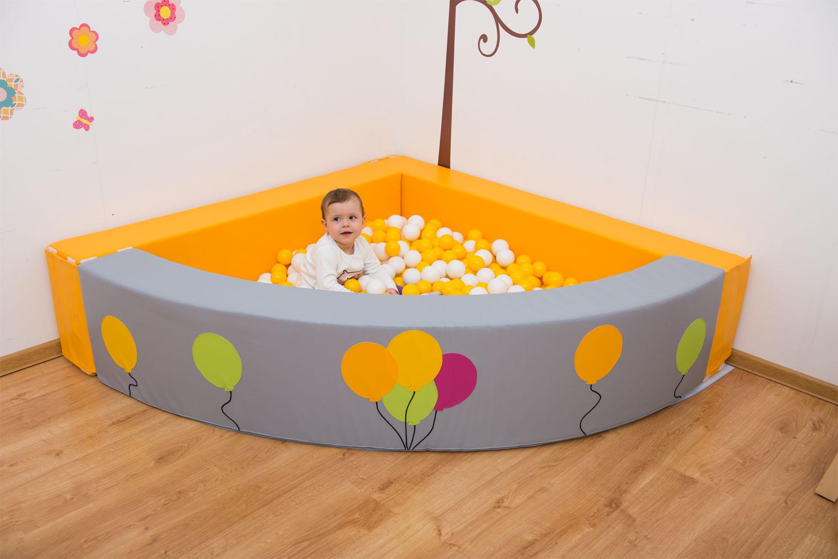 piscine a balles de novum par ludesign ludomania. Black Bedroom Furniture Sets. Home Design Ideas